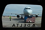 American A321 Hold at MSP (33671871182).jpg
