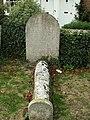 An unusual grave - geograph.org.uk - 1837257.jpg