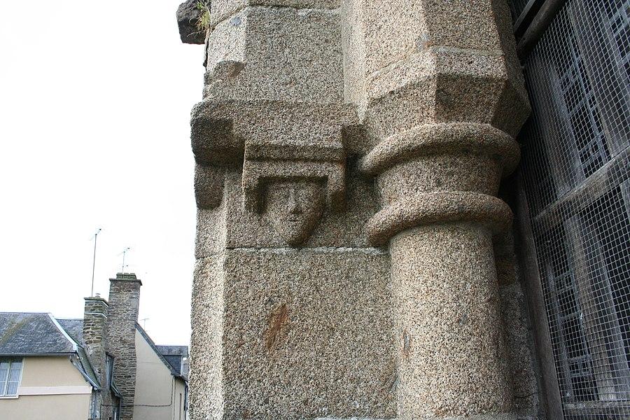 Reste du clocher de l'ancienne église de saint hilaire du harcouet, manche, france