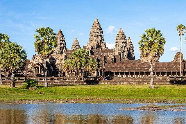 640px-Angkor_%28II%29.jpg
