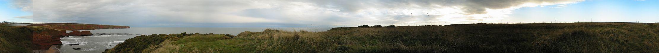 Arbroath Cliff Panorama.JPG