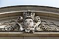 Armoiries du Royaume de France sur le fronton de l'entrée, palais du parlement de Bretagne, Rennes, France.jpg