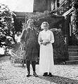 Arnold (Sam) Aletrino (1858-1916) met vrouw Jupie - Chalet Georges-Maurice - Chernex - Montreux.jpg