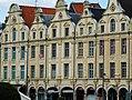 Arras façades et frontons.jpg