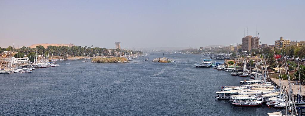 El río Nilo, a su paso por Asuán (Egipto).