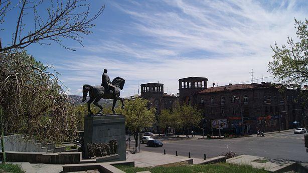 Baghramyan statue (9).jpg