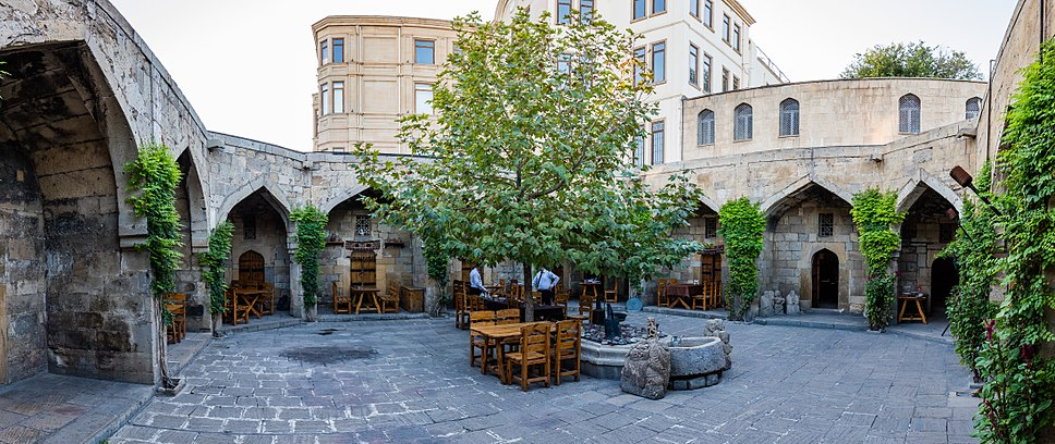 Baku, Azerbaiyán, 2016-09-26, DD 207-209 PAN