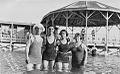 Banistas lago epecuen 1938.jpg
