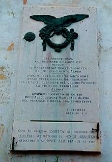 Battaglione Monte Assietta  lapide a Chieri 9f3560a9a25d