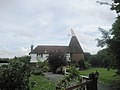 Beacon Farm Oast, Benenden Road, Biddenden, Kent - geograph.org.uk - 331752.jpg