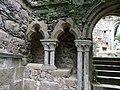 Beauport Abbaye vestige cloitre.jpg