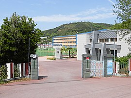 Beolgyo Commercial High School.JPG