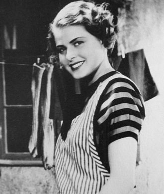 Ingrid Bergman - Her first film, Munkbrogreven (1935), at age 19