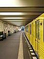Berlin - U-Bahnhof Theodor-Heuss-Platz (15205031751).jpg