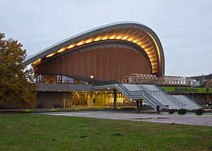 "Convention center - Image: Berlin Kongresshalle ""Schwangere Auster"""