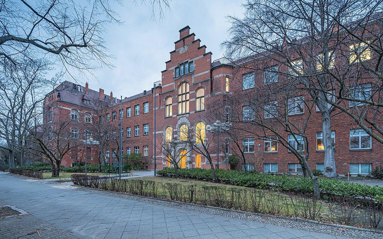 Berlin RKI building Nordufer asv2021-03 img1.jpg