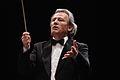 Bernard Carloséma dirigeant l'orchestre de Valenciennes.jpg