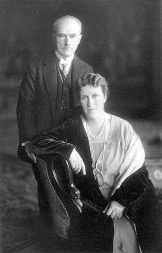 Bertha Krupp - Bertha with Gustav Krupp von Bohlen und Halbach, 1927