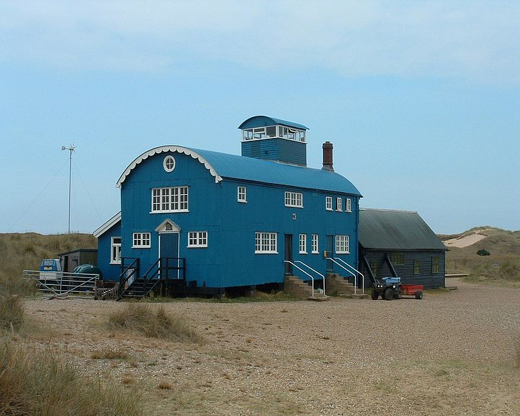 File:Blakeney point lifeboat station.jpg