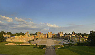 Blenheim Palace 2006.jpg