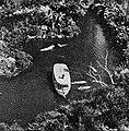 Boat in Frontierland, Disneyland, Aneka Amerika 102 (1957), p30.jpg