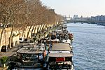 Boats on the Seine River in Paris, 14 December 2009.jpg