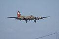Boeing B-17G-85-DL Flying Fortress Nine-O-Nine Landing Approach 04 CFatKAM 09Feb2011 (14983926645).jpg