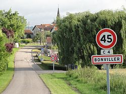Bonviller (M-et-M) city limit sign.jpg