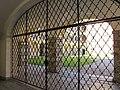Bressanone, palazzo vescovile 01 grata.JPG