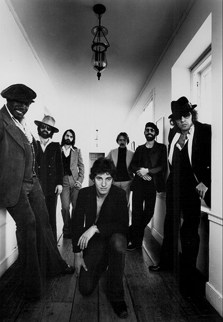 Springsteen and the E Street Band, 1977 Bruce Springsteen and the E Street Band 1977.jpg