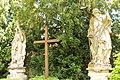 Buchlovice, sochy sv. Petra a Pavla (2013-06-09; 01).jpg