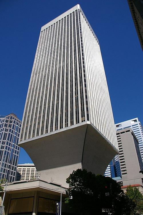 Building and blue sky (235461339).jpg