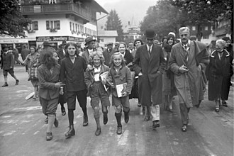 Oberammergau Passion Play - Henry Ford attending the Passion Play in 1930