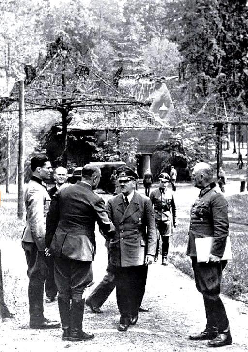 Bundesarchiv Bild 146-1984-079-02, Führerhauptquartier, Stauffenberg, Hitler, Keitel