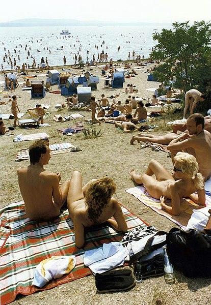 Jungs nackt am strand