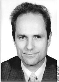 Bundesarchiv Bild 183-1990-0421-311, Hinrich Küssner.jpg
