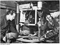 Bundesarchiv Bild 183-92441-0001, VEB Leuna-Werke, Schneidbrenner.jpg