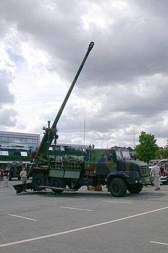 CAESAR self-propelled howitzer - Image: CAESAR (camion équipé d'un système d'artillerie) 2