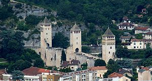 Bridge castle - One of the best-preserved fortified bridges in Europe: the Pont Valentré of Cahors