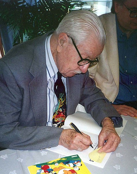 Mynd:Carl Barks signing autographs in Finland in 1994.jpg