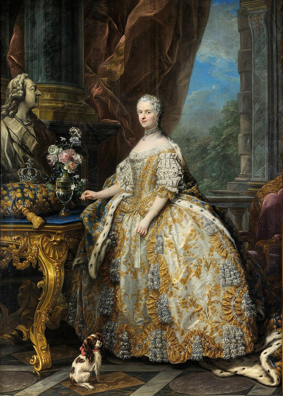 Carle Van Loo - Marie Leszczinska, reine de France (1703-1768) - Google Art Project