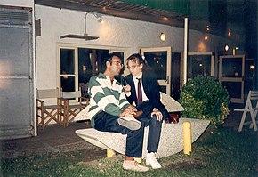 Carlo Conti intervistato dalla giornalista Elena Torre negli anni 1990