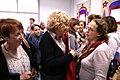 Carmena y Mayer, con las mujeres del Espacio de Igualdad de Carabanchel María de Maeztu 05.jpg