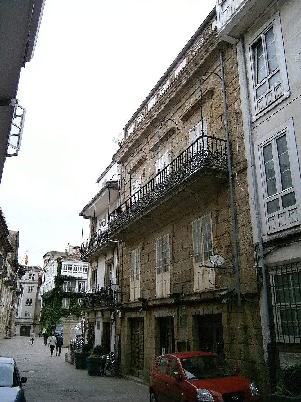 Casas de Francisca Herrera (esquerda) e Rosalía (d.). R/ do Príncipe, A Coruña.