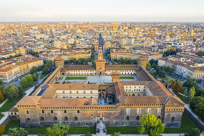 File:Castello Sforzesco da alto.jpg