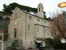 La chiesa di Nostra Signora della Consolazione sul lungomare cellese
