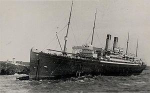 RMS Celtic (1901) - Celtic stranded on rocks.