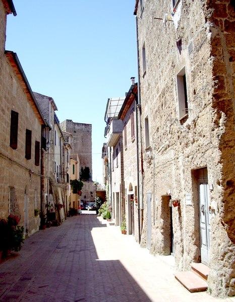 File:Centro di Castell'Ottieri (GR).JPG
