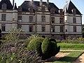 Château de Cormatin, topiaires.JPG