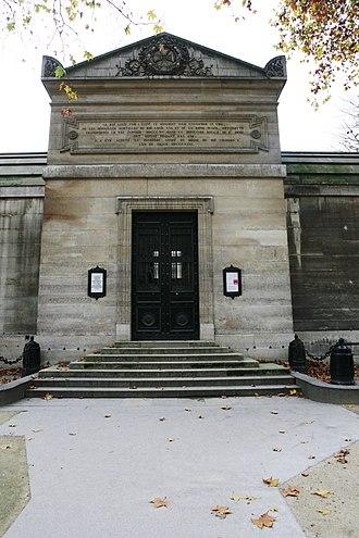 Chapelle expiatoire - Image: Chapelle expiatoire Louis XVI mg 4548